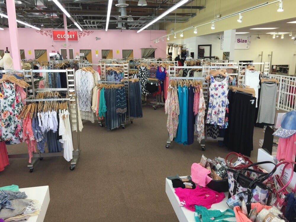 Closet clothing store san diego