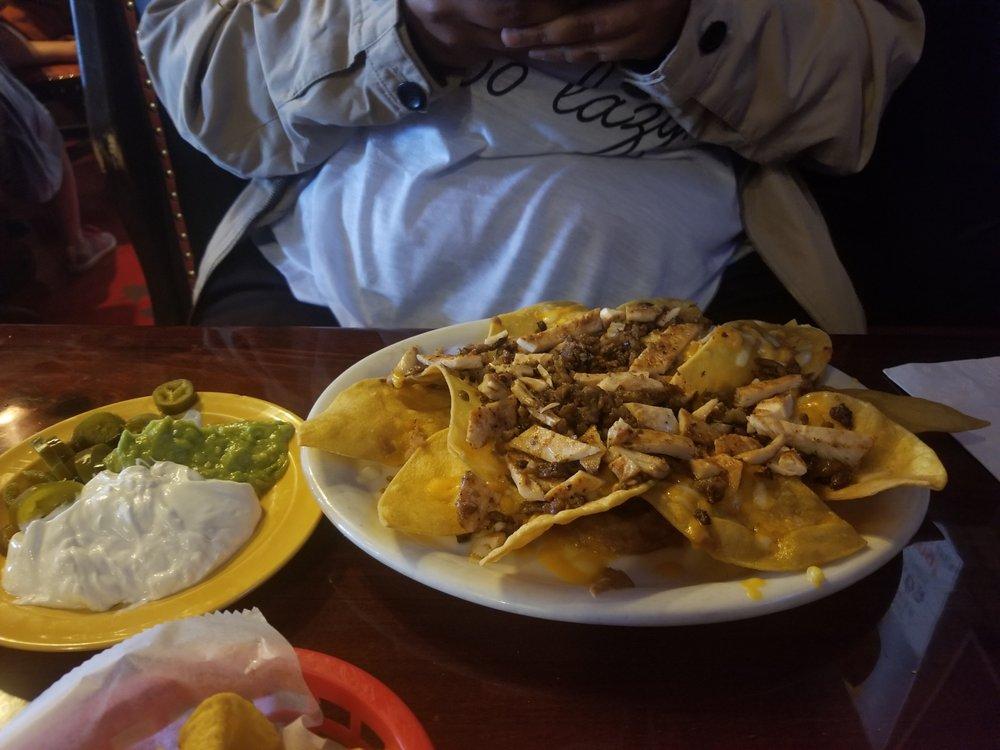 Taqueria El Mexicano Grill: 1420 N Valley Mills Dr, Waco, TX