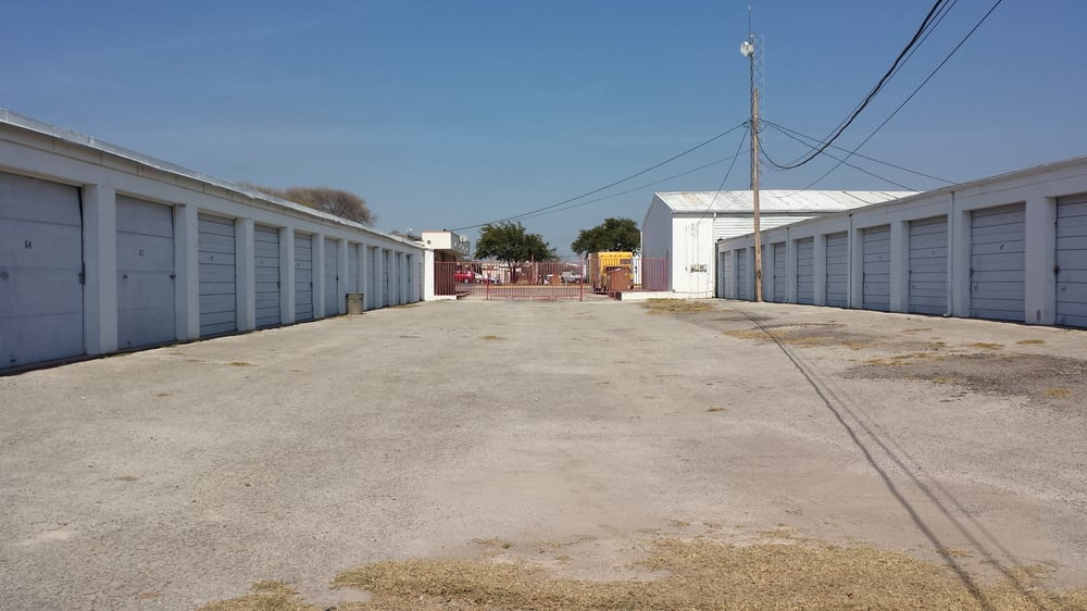 Del Rio Mini Storage: 108 Kings Way, Del Rio, TX