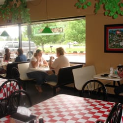 Photo Of Mancino S Pizza Grinders Allendale Mi United States Dining Room