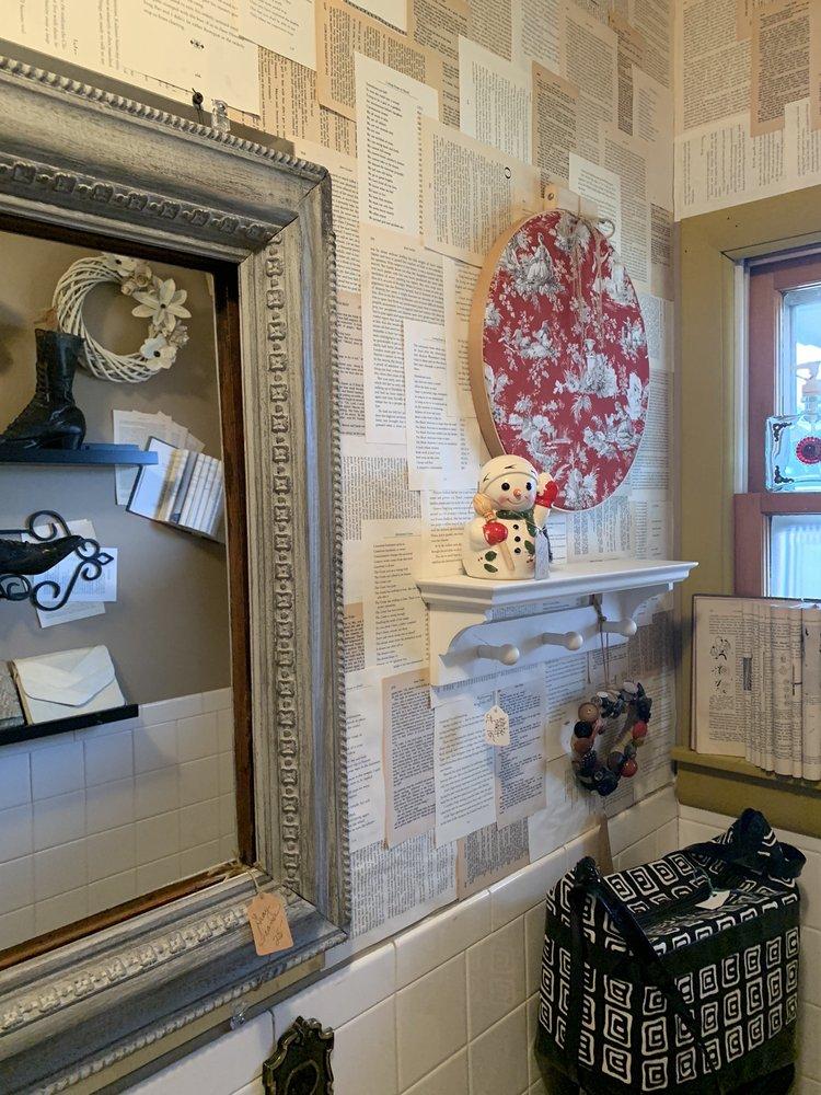Great Stuff Gift Shop: 106 Olive St, Van Buren, MO