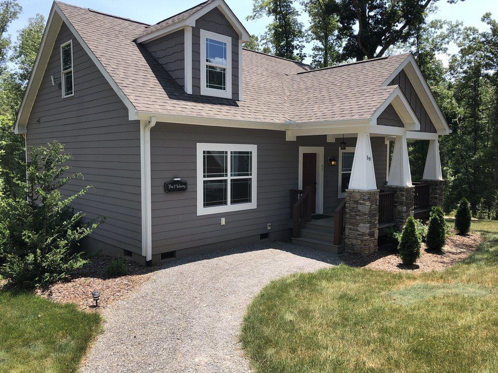 Asheville Cottages: 29 Asheville Cottage Ln, Asheville, NC