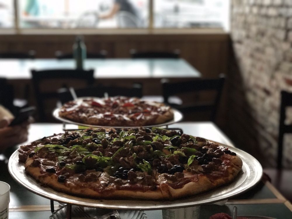 Shakespeare's Pizza - Downtown: 225 S 9th St, Columbia, MO