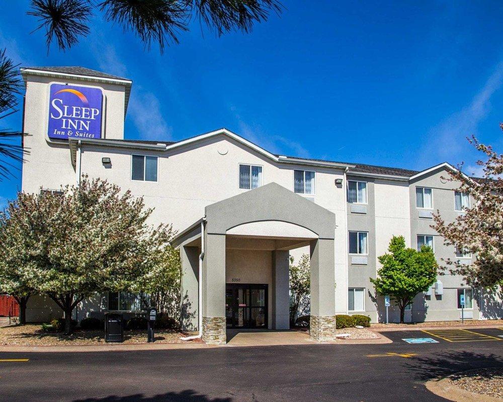 Sleep Inn & Suites Davenport - Quad Cities: 5350 Elmore Ave, Davenport, IA