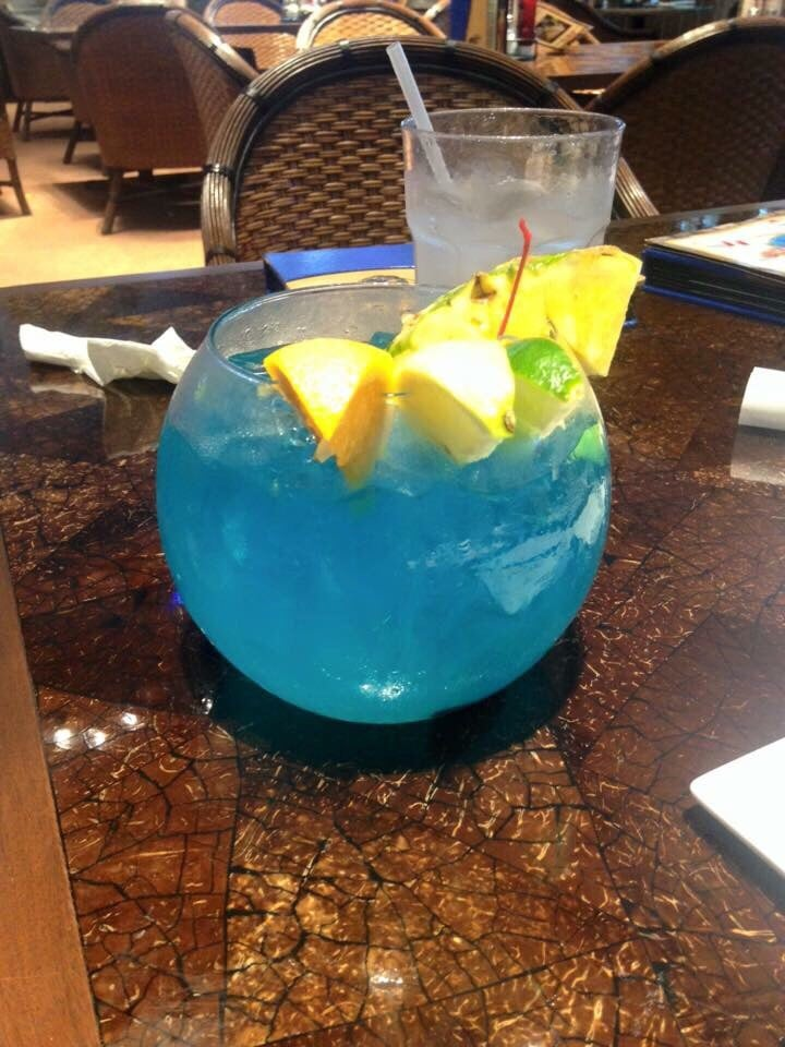 Fishbowl drink yelp for Fish bowl drinks near me