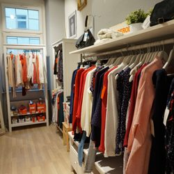 Garderobe In Engels.Ma Garderobe 25 Photos Accessories Wuhlischstr 38