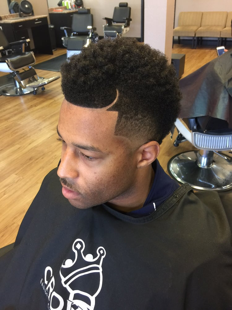 s haircut back of crowns barber shop 34 photos amp 25 reviews barbers 1359