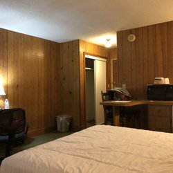 Brookside Resort 94 Photos 51 Reviews Hotels 463 E