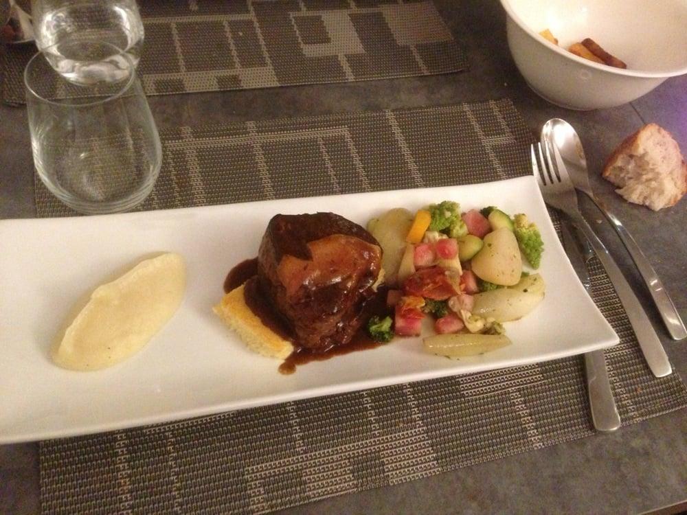 un classique tel un bon tournedos rossini quand on trouve le foie gras yelp. Black Bedroom Furniture Sets. Home Design Ideas
