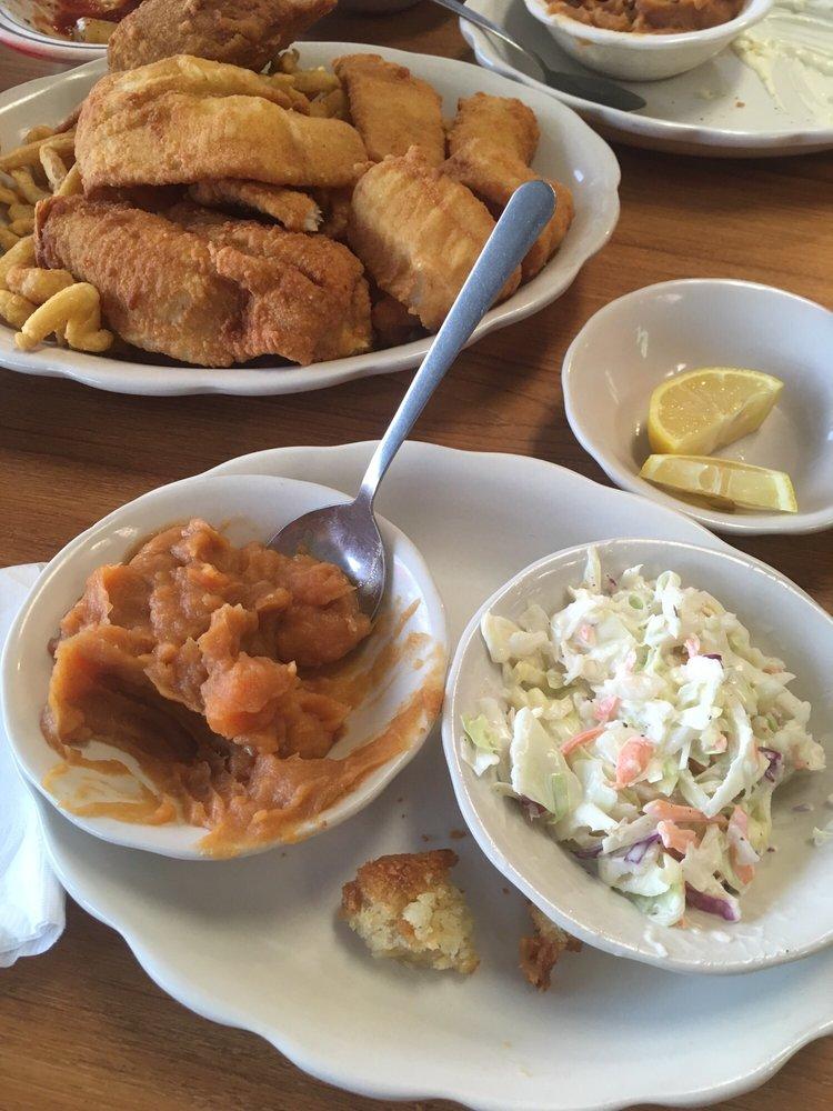 Blackbeards Seafood & Steaks: 212 N Duval St, Claxton, GA