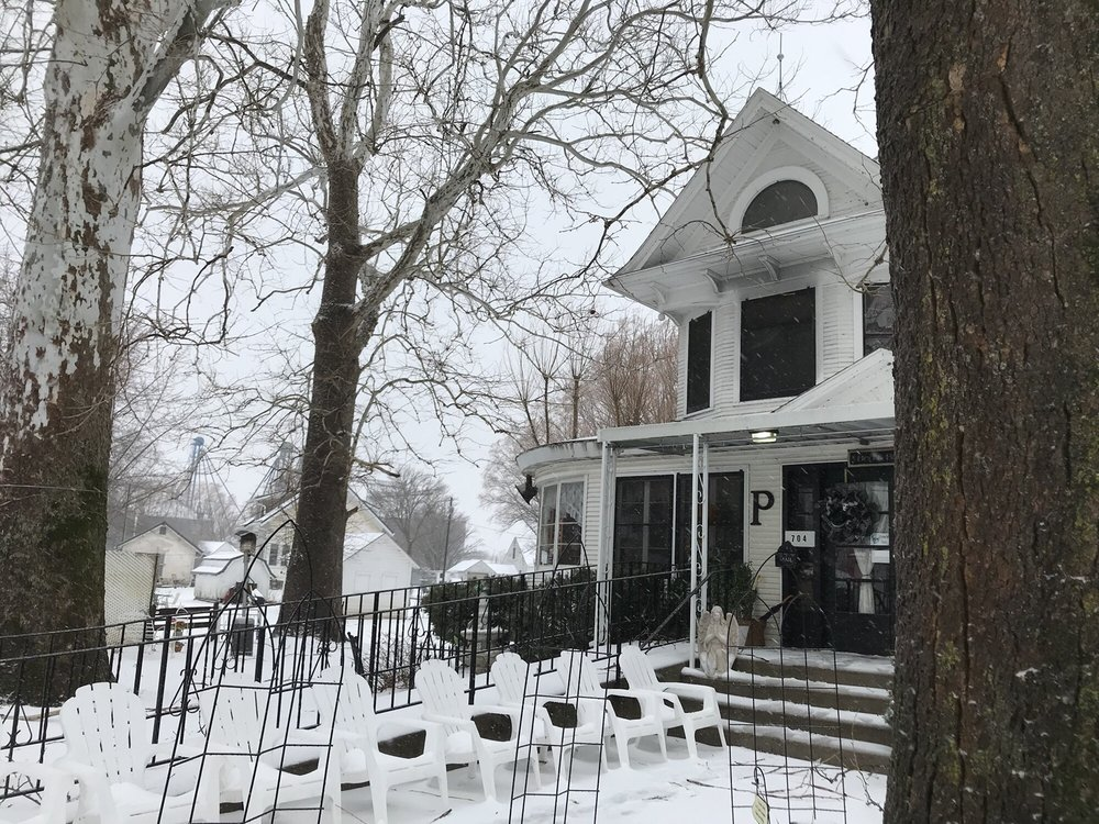 Periwinkle Place Manor: 704 Main St, Chelsea, IA