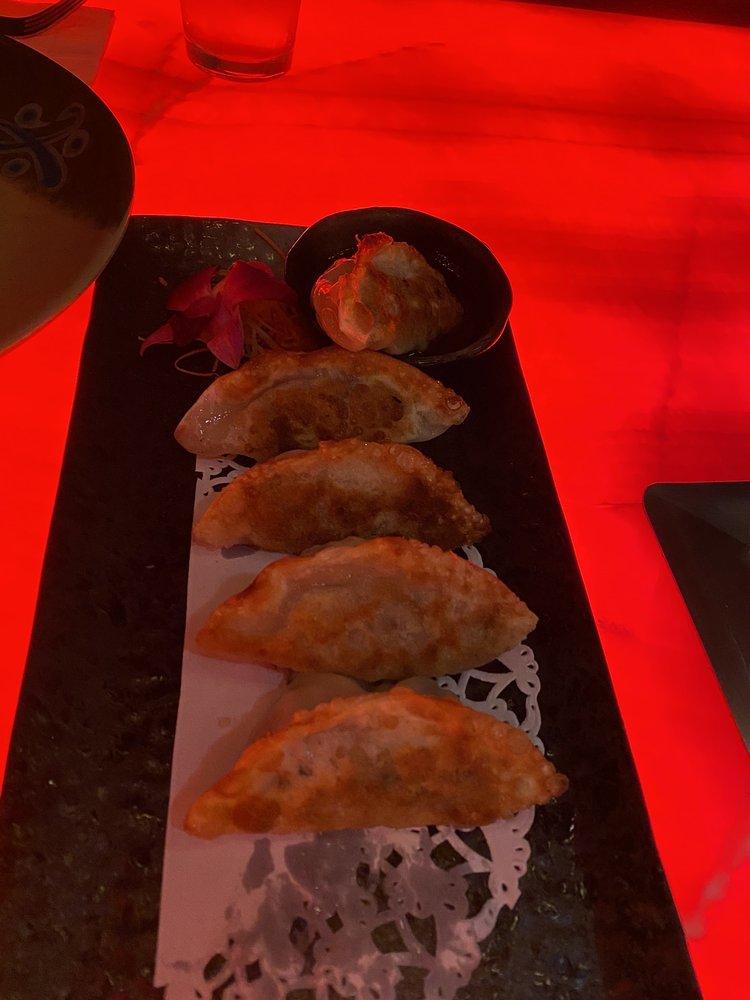 Ikko Hibachi Sushi Asian Bistro: 3938 E Tremont Ave, Bronx, NY
