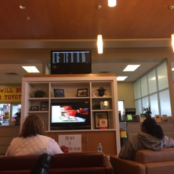 Exceptional Photo Of Karl Malone Toyota   Draper, UT, United States. Service Lounge.