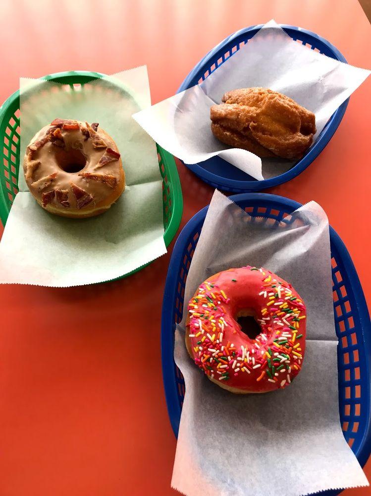 Alvernon Donut Shop
