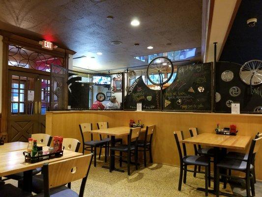 Radius Pizzeria Pub 74 Photos 161 Reviews Pizza
