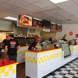 Zo S Good Burger Dearborn 219 Photos 152 Reviews