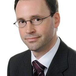 Rechtsanwalt Arbeitsrecht Maximilian Pancic Arbeitsrecht Hofweg