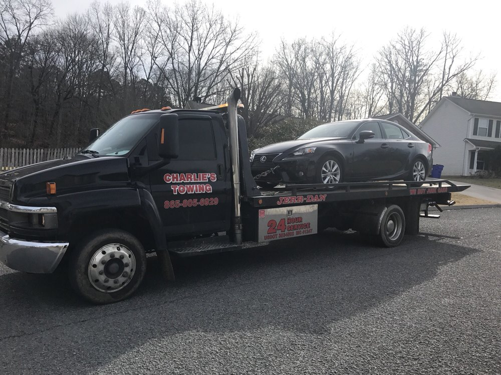 Charlie's Towing: 3313 Clinton Hwy, Powell, TN