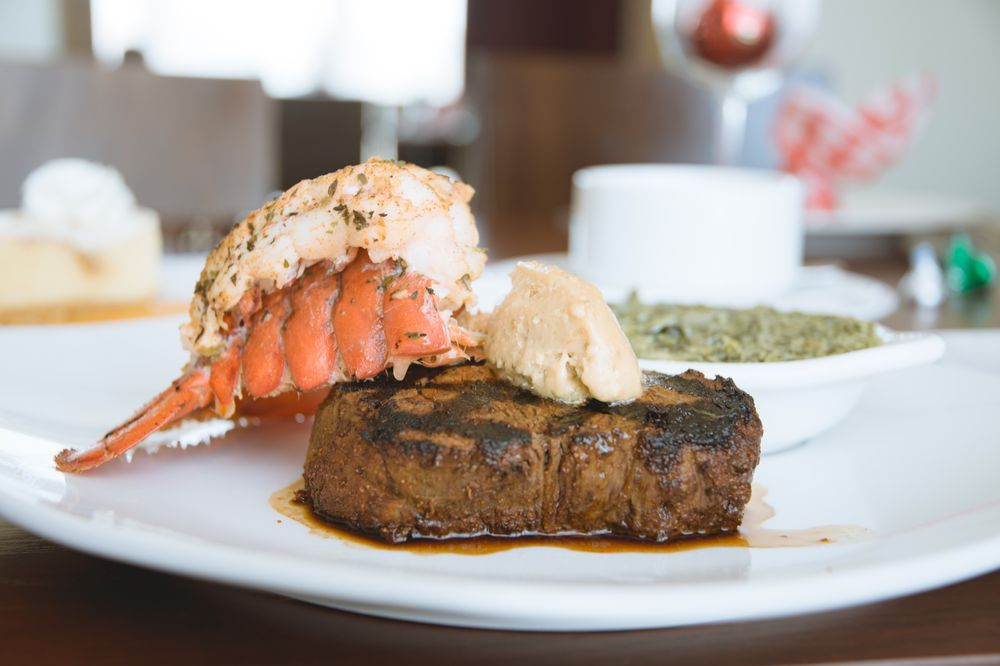 Carver's Steakhouse: 25775 Perdido Beach Blvd, Orange Beach, AL