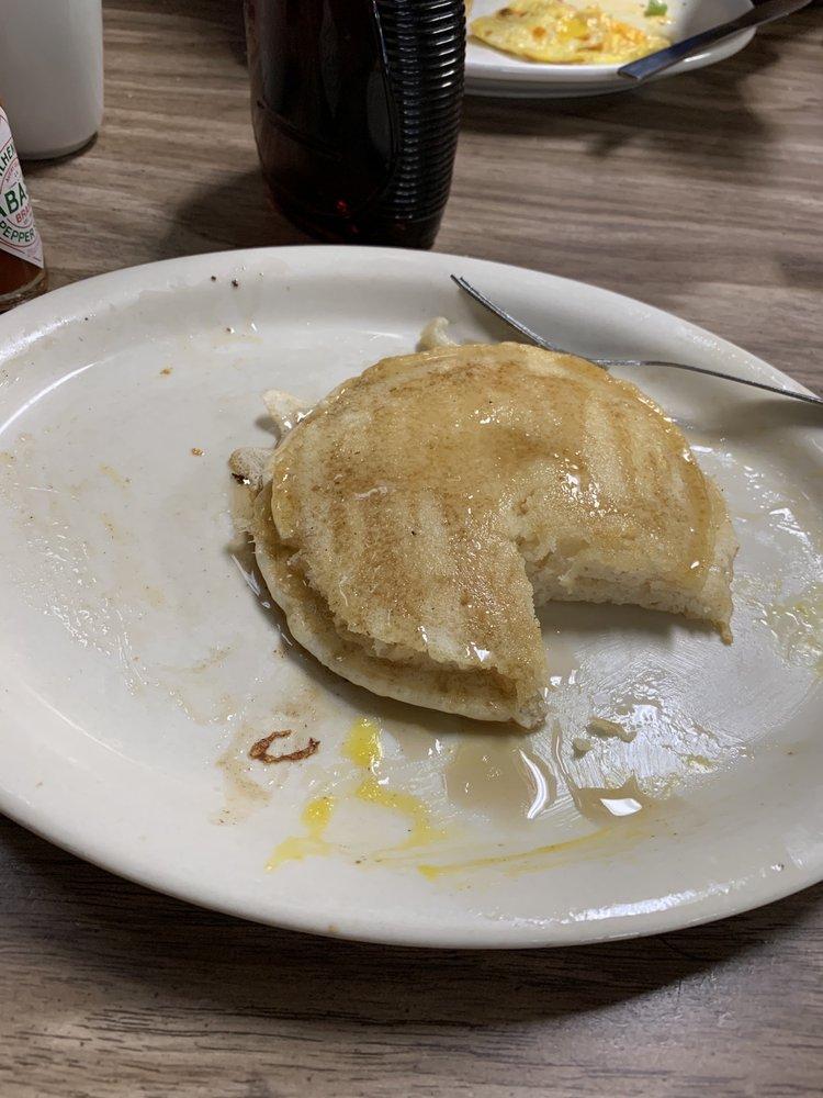 Ulmer Cafe: 115 N Minnesota St, New Ulm, MN