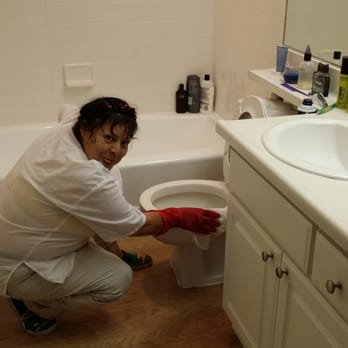 Juanitas Home Cleaning Photos Reviews Cleaner - Bathroom cleaning lady