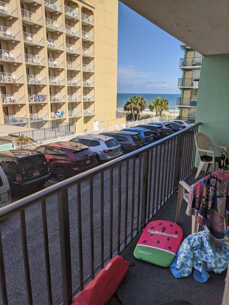 Beach Club at Montego Inn - Slideshow Image 1