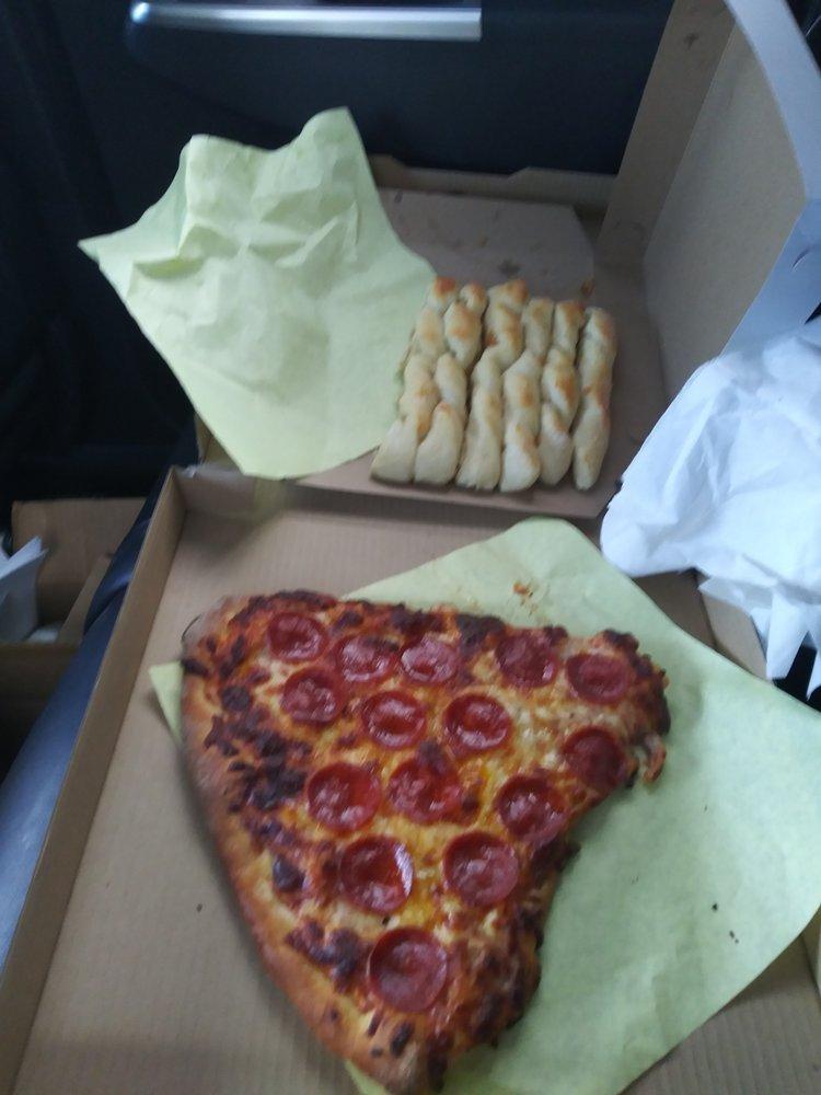 Tony's Pizza: 637 Main St, Lander, WY
