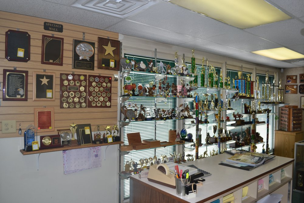 Shamrock Awards & Engraving: 900 Crain Hwy N, Glen Burnie, MD