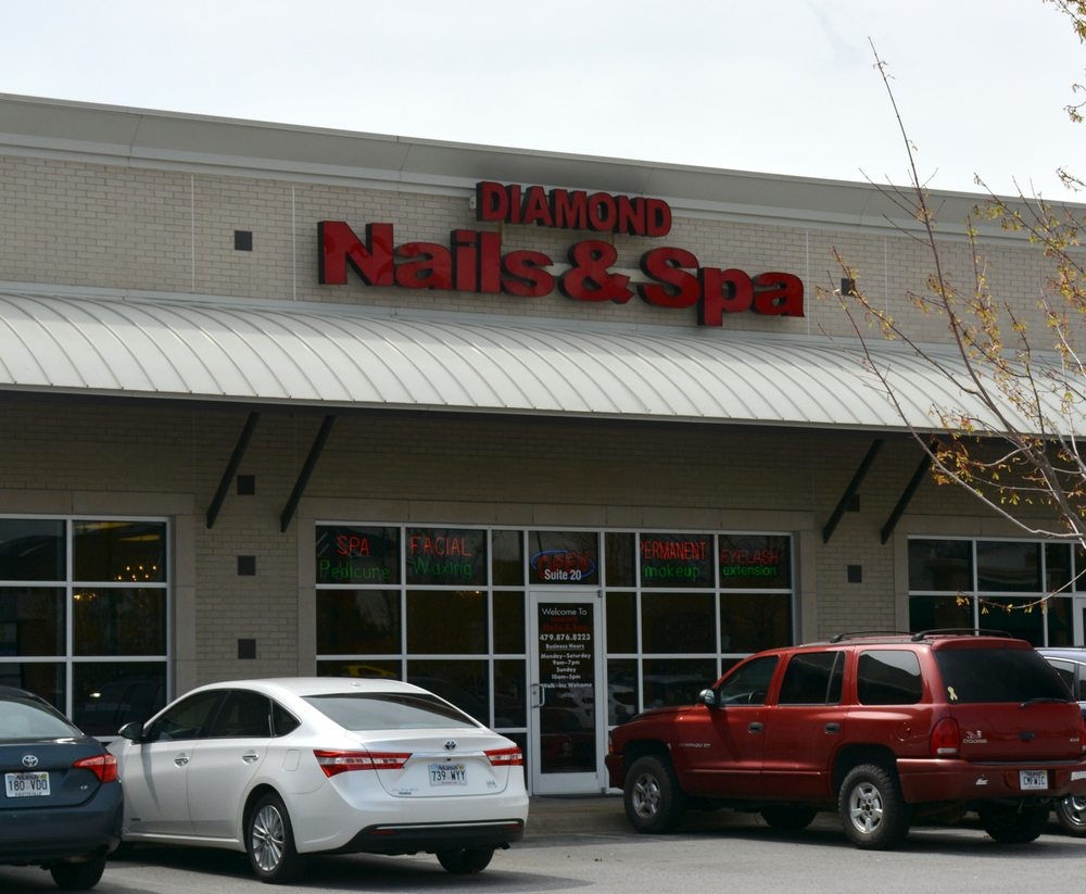 Diamond Nails And Spa: 1000 SE Walton Blvd, Bentonville, AR