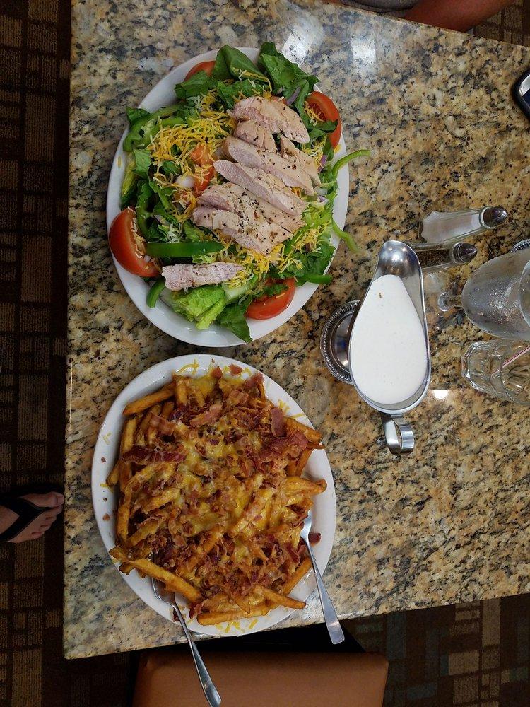 Gazebo Restaurant: 101 Meadow Ridge Dr, Elk City, OK