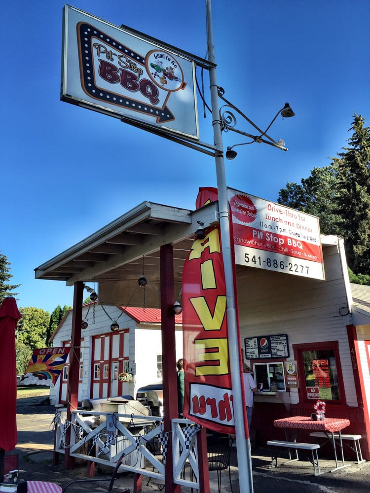 Pit Stop BBQ: 402 E Hwy 82, Wallowa, OR