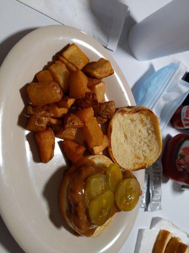 Four Oaks Restaurant: 203 W Wellons St, Four Oaks, NC