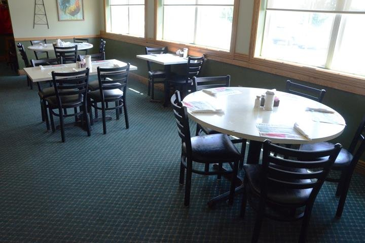 Richards Restaurant: 252 Frontage Rd, Columbia City, IN