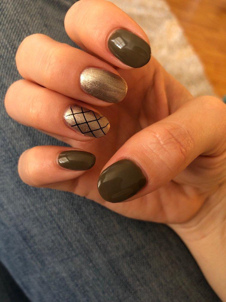 Nails By Tara: 780 Apple St, Reno, NV