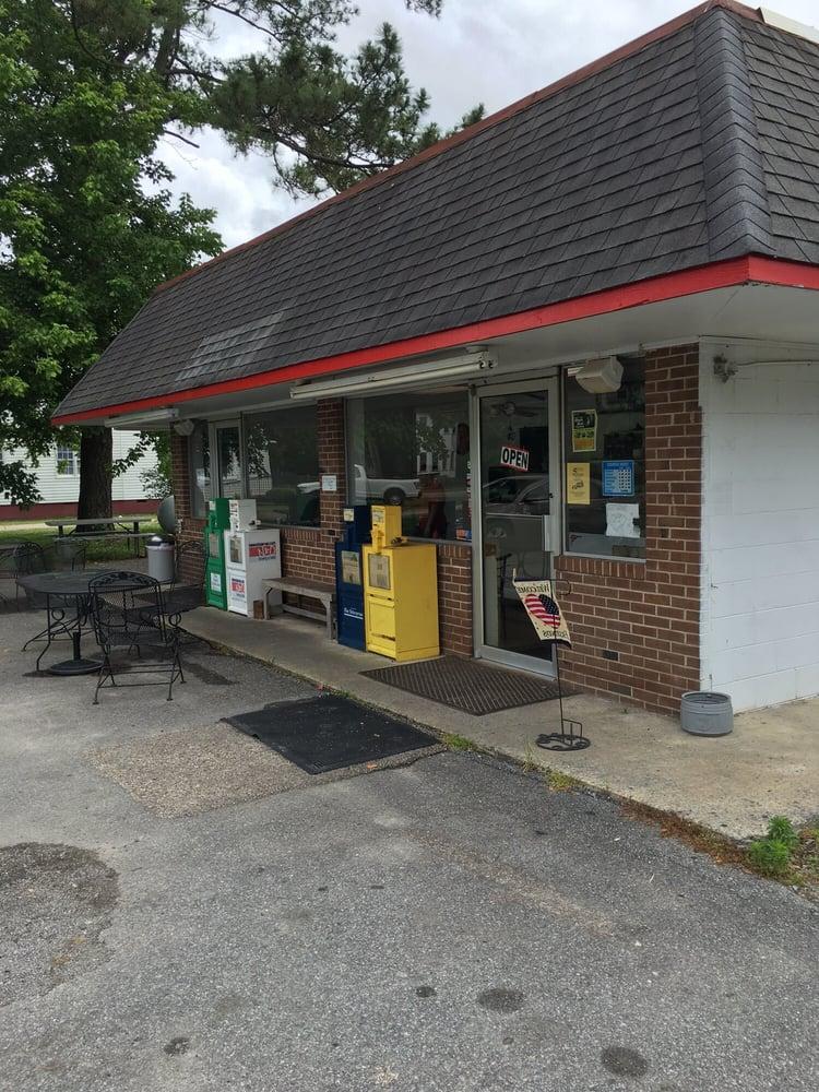 Jamesville Chuckwagon: 2200 Main St, Jamesville, NC