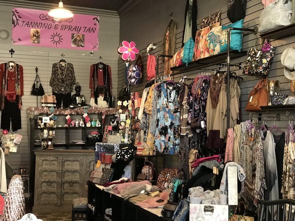 Classy Pink Elephant Boutique & Tanning Salon: 37819 Niles Blvd, Fremont, CA