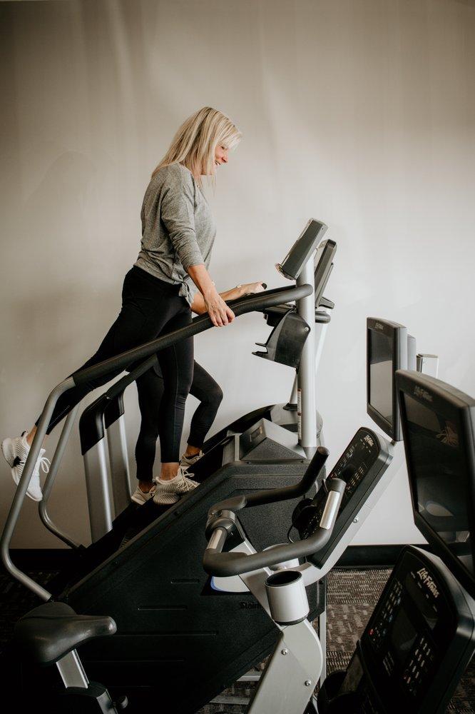 E'Ville Fitness: 233 Harvard Dr, Edwardsville, IL