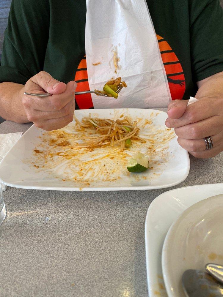 Thai Carrot: 412 S Boone, Aberdeen, WA