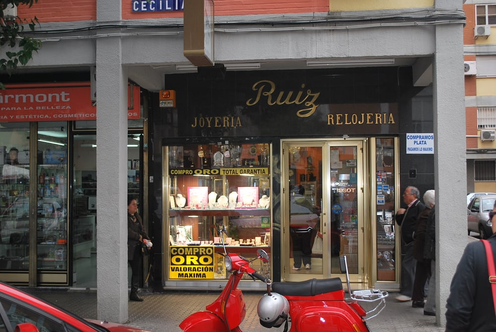 d65bf640897b Ruiz - Joyerías - Avenida de Santa Cecilia
