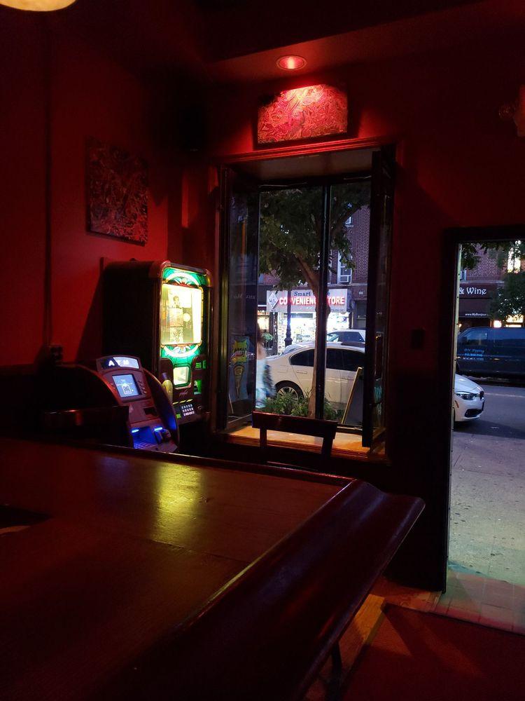 Dominie's: 34-07 30th Ave, Astoria, NY