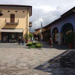 Franciacorta Outlet Village - Outlet Stores - Via del Borgo 46 ...