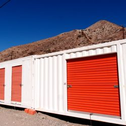 Bon Photo Of A 1 Sierra Storage   Santa Clarita, CA, United States.
