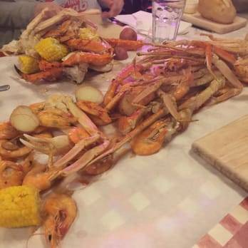Yum  Review of The Crab Pot Seafood Restaurant Seattle