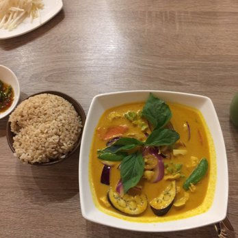 Photo of Qochon   Fremont  CA  United States  Curry stewQochon   310 Photos   227 Reviews   Vietnamese   4169 Cushing Pkwy  . Healthy Places To Eat In Fremont Ca. Home Design Ideas