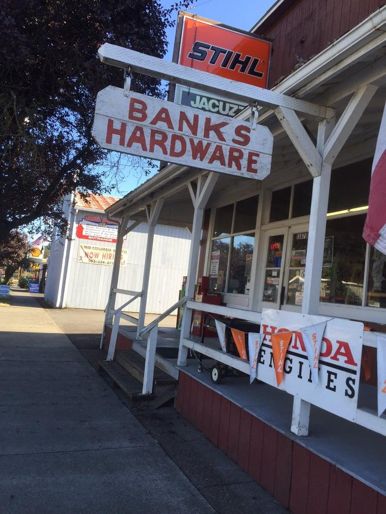 Banks Hardware: 150 N Main St, Banks, OR