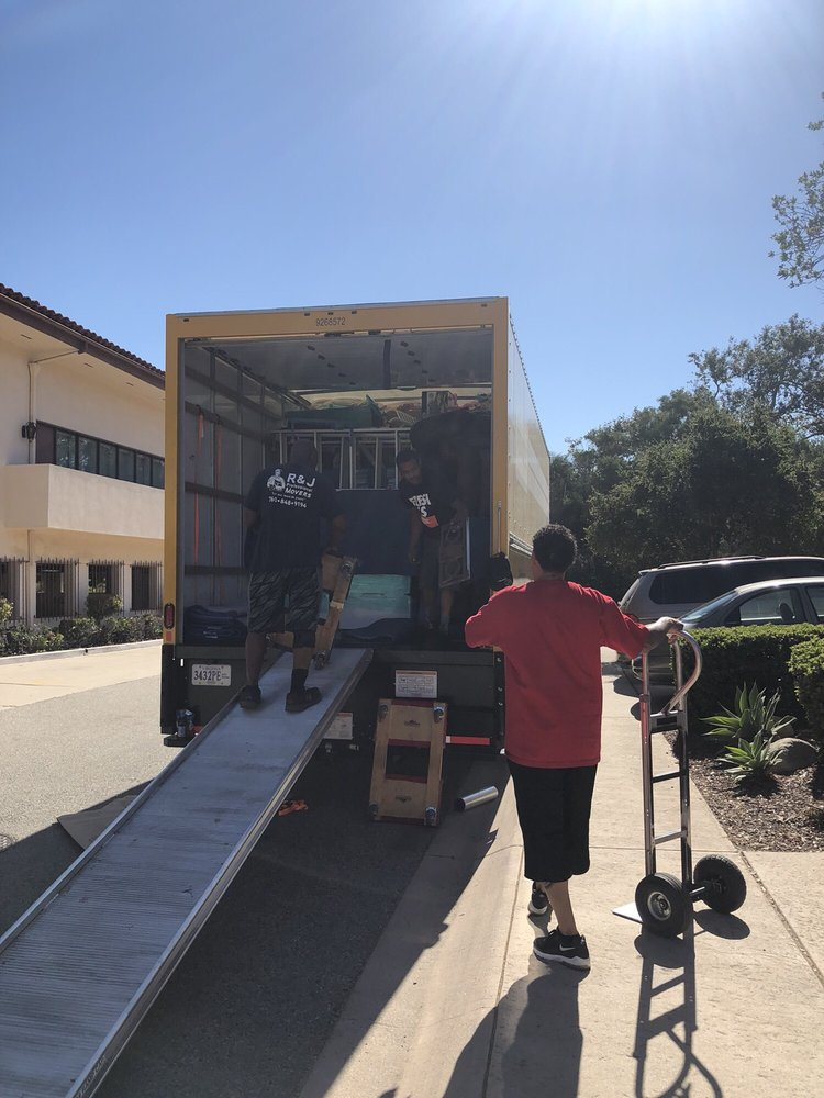 R J Professional Movers 26 Photos 43 Reviews Movers Palm