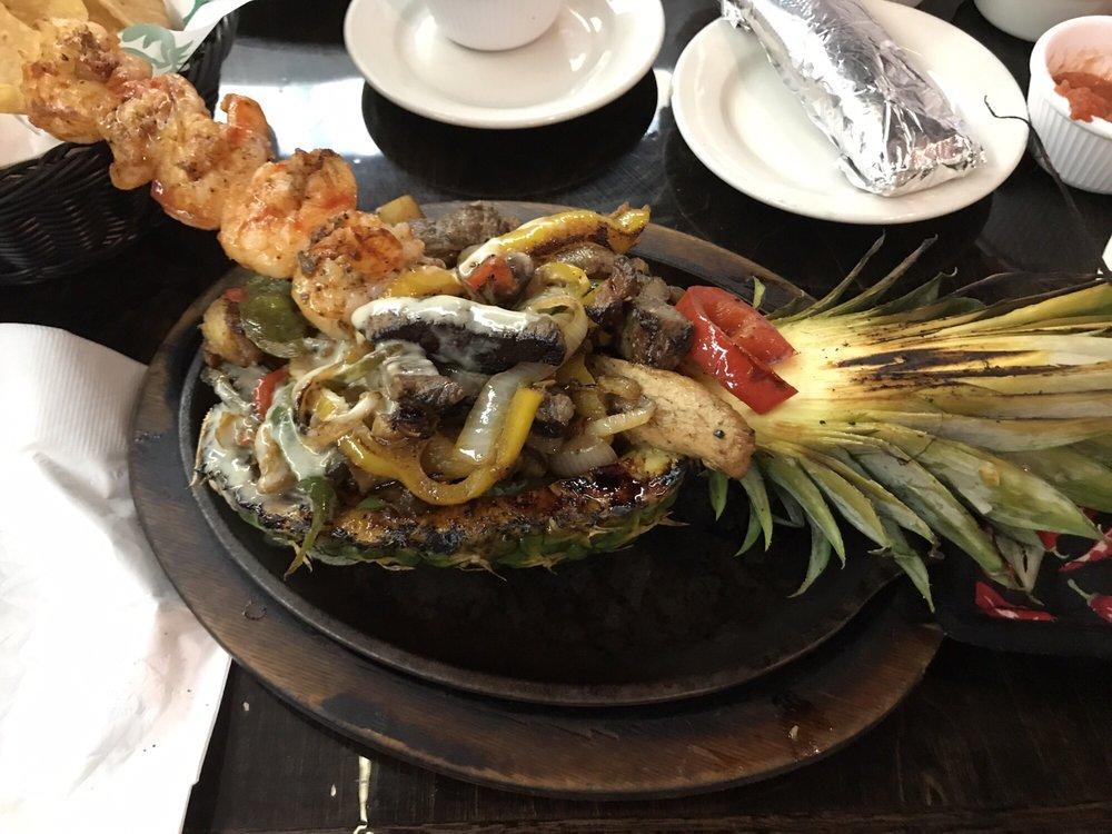 Avacado's Mexican Grill & Cantina: 12715 US-90, Luling, LA