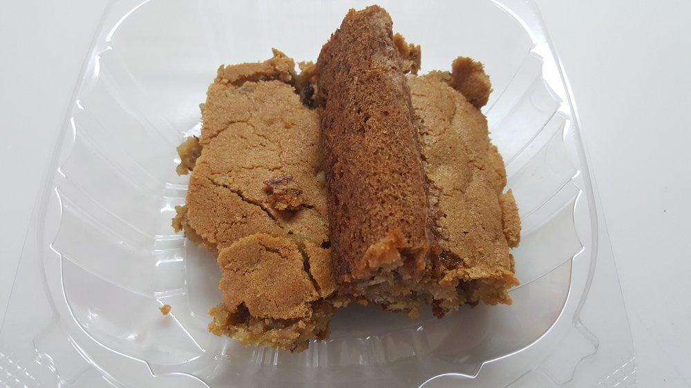 Bakin Cakes: 1151 Nashville Hwy, Lewisburg, TN