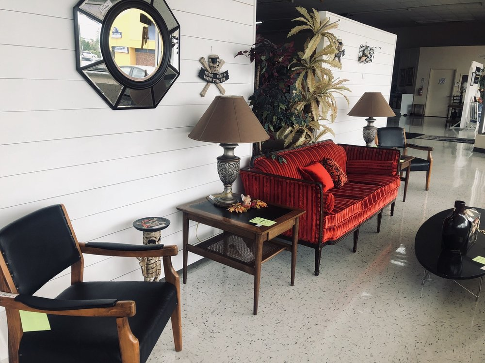 Nearly New Furniture Consignment: 12042 US Hwy 19, Hudson, FL