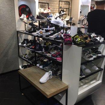 C P U Shoe Stores Pak Cheung Building 59 65 Shantung